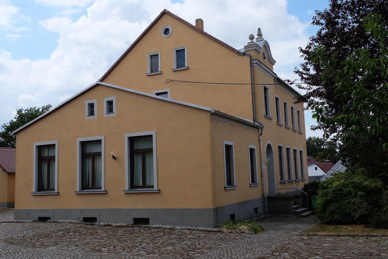 Foto nach Fassadensanierung Wohnhaus Gräfenhain